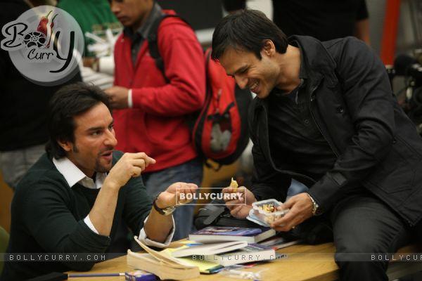 Saif Ali Khan and Vivek Oberoi in the movie Kurbaan