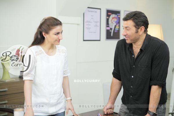 Soha Ali Khan as Rhea and Sunny Deol as Ajay Mehra in Ghayal Once Again