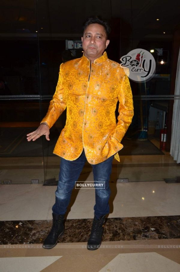 Sukhwinder Singh at Success Bash of 'Natsamrat'