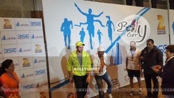 Ishq Forever' Actors Krishna Chaturvedi and Jaaved Jaaferi Felicitate BSE Marathon Winners
