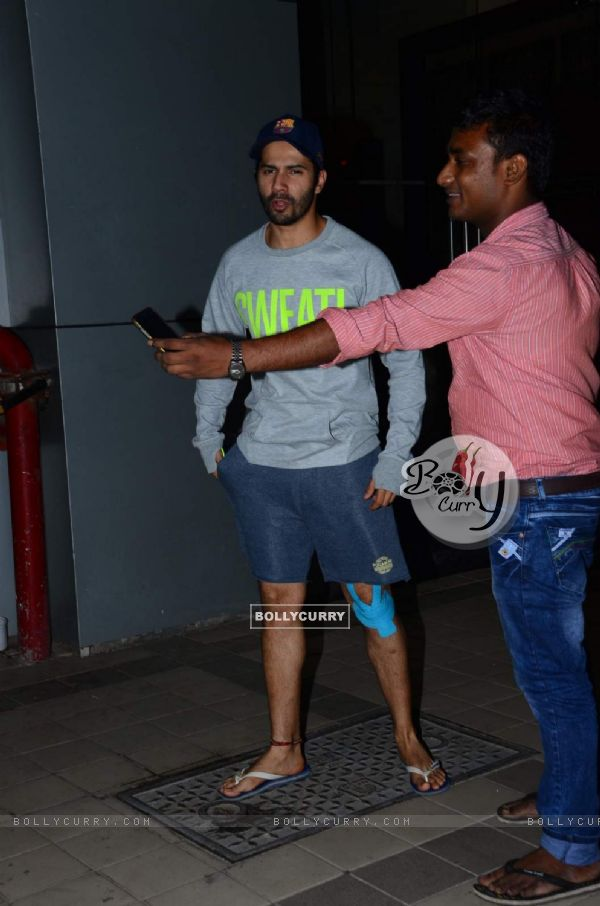 Varun Dhawan Spotted With his Injured Leg