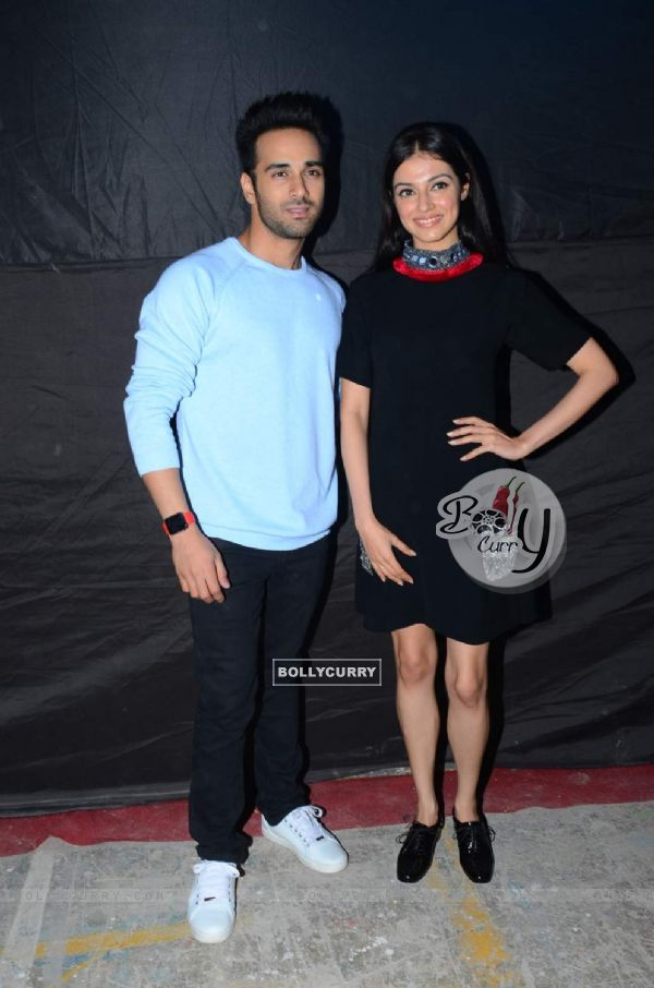 Divya Khosla and Pulkit Samrat for Promotions of Sanam Teri Kasam at College Fest