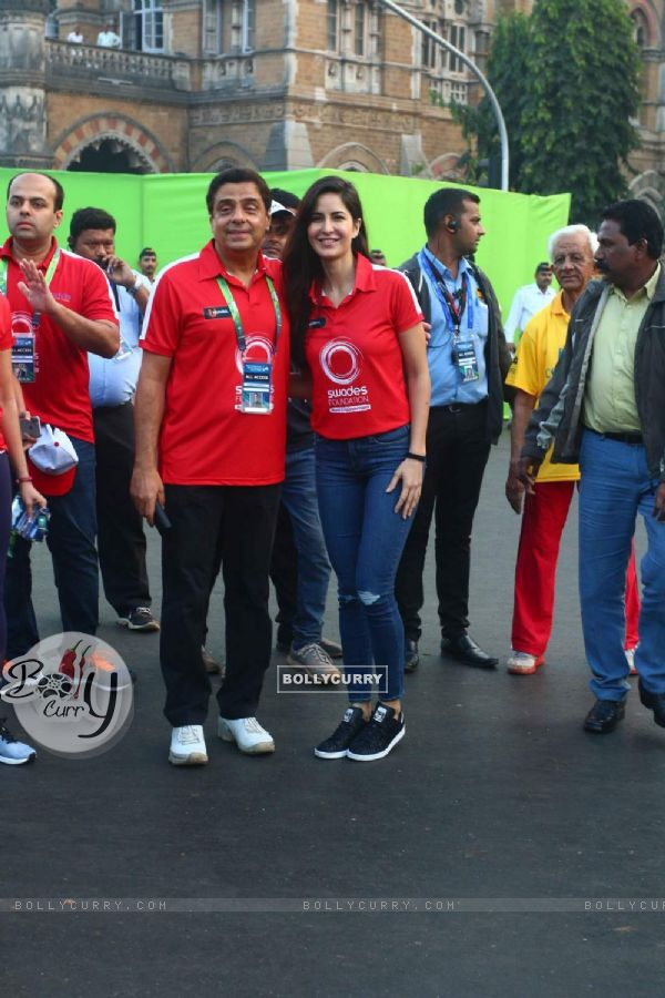 Katrina Kaif and Ronnie Screwvala at Mumbai Marathon