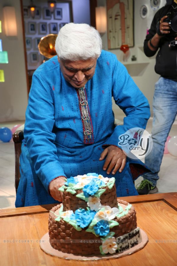 Javed Aktar Celebrates his 71st Birthday on the sets of Zee Classic's  musical show 'Golden Years'