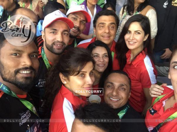 U Mumba's Dream Run for Swades at Mumbai Marathon