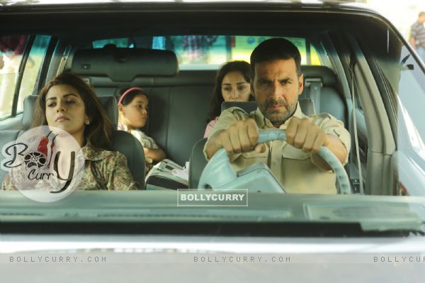 A Still of Akshay Kumar and Nimrat Kaur in Airlift