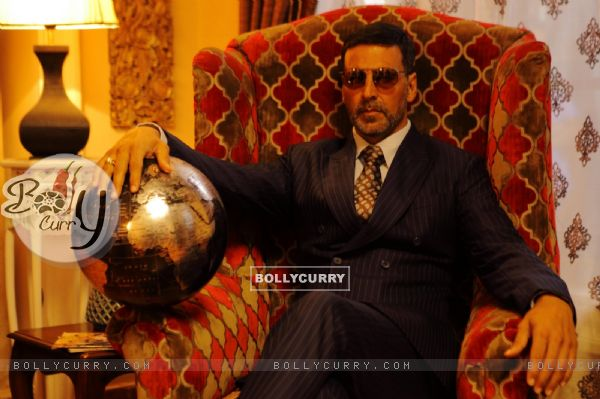 A Still of Akshay Kumar as Ranjit Katyal in Airlift (392591)