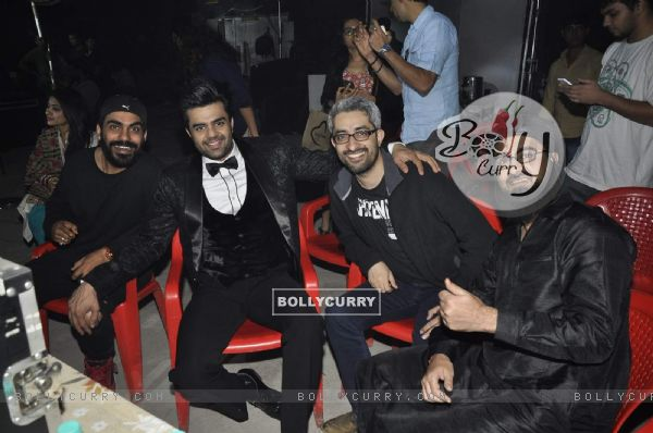 Pradhuman Singh and Manish Paul on Sets of Tere Bin Laden Dead or Alive