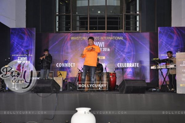 Sukhwinder Singh Performs at Subhash Ghai's 71st Birthday Celebration