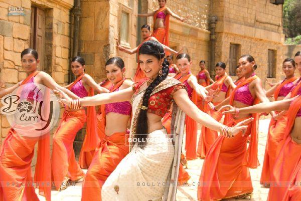Jacqueline Fernandez dancing in a song Ore Saawariya
