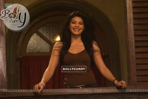 Jacqueline Fernandez passing smile to Ritesh (39314)