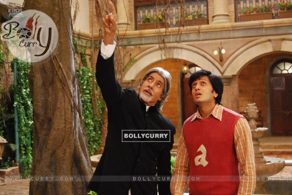 A still of Amitabh Bachchan and Ritesh Deshmukh