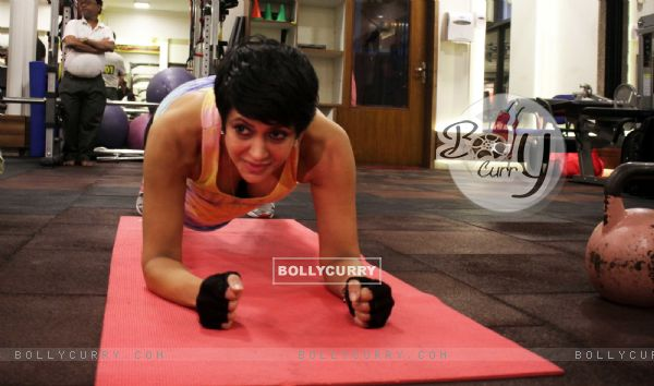 Mandira Bedi shares her fitness mantra at 'Muscle Talk' Gym in Chembur
