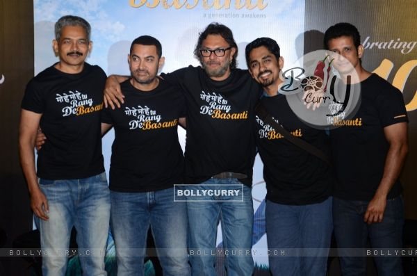 Atul Kulkarni, Aamir, Rakeysh Mehra, Siddharth and Sharman a 10years Celebrations of RDB