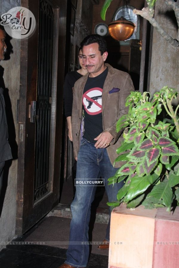 Saif Ali Khan and Karisma Kapoor Snapped