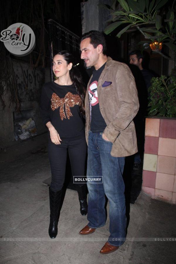Saif Ali Khan and Karisma Kapoor Snapped