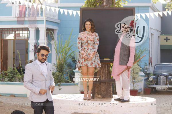 Vir Das and Sunny Leone Promotes Mastizaade on Chidiya Ghar