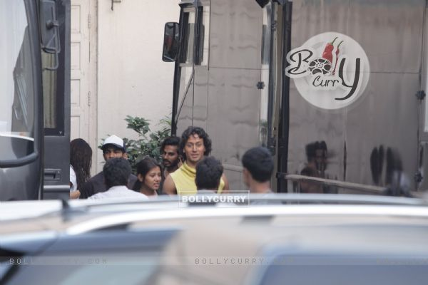 Tiger Shroff Snapped Shooting for Baaghi in Mumbai (393727)