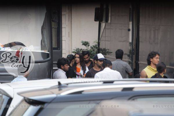 Shraddha Kapoor and Tiger Shroff Snapped Shooting for Baaghi in Mumbai (393728)