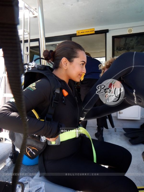 Sonakshi Sinha Goes Scuba Diving in Sydney