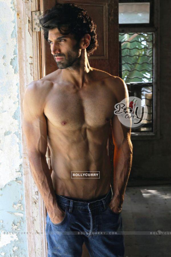 Aditya Roy Kapur in Fitoor (394627)