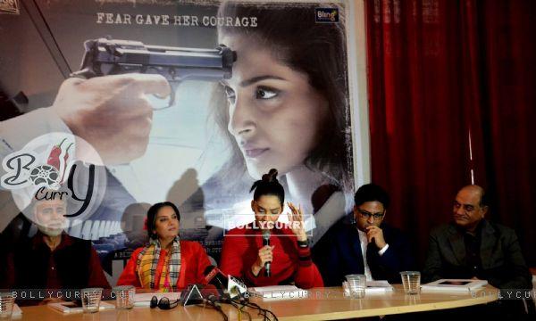 Sonam Kapoor, Shabana Azmi and Ram Madhvani at Promotions of 'Neerja' in Delhi