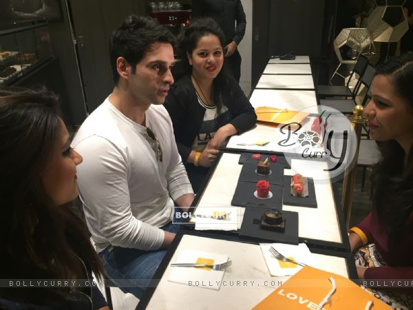 Girish Kumar Having a Coffee Date on Valentine's Day with Winners of FCUK contest. (396239)