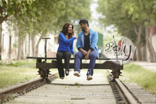 Arjun Kapoor and Kareena Kapoor in Ki And Ka