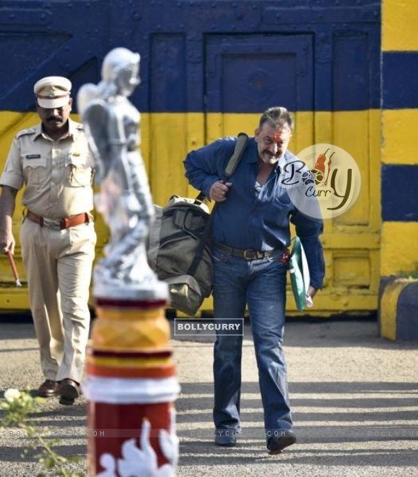 Sanjay Dutt Out of Yerwada Jail.