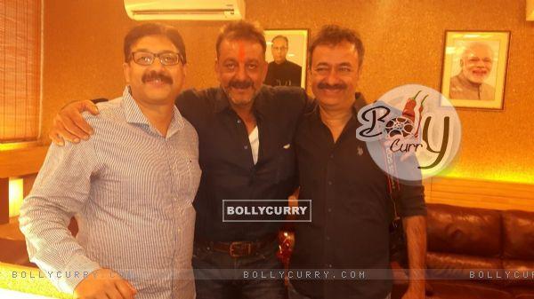 Sanjay Dutt With Rajkumar Hirani after His release from Yerwada Jail
