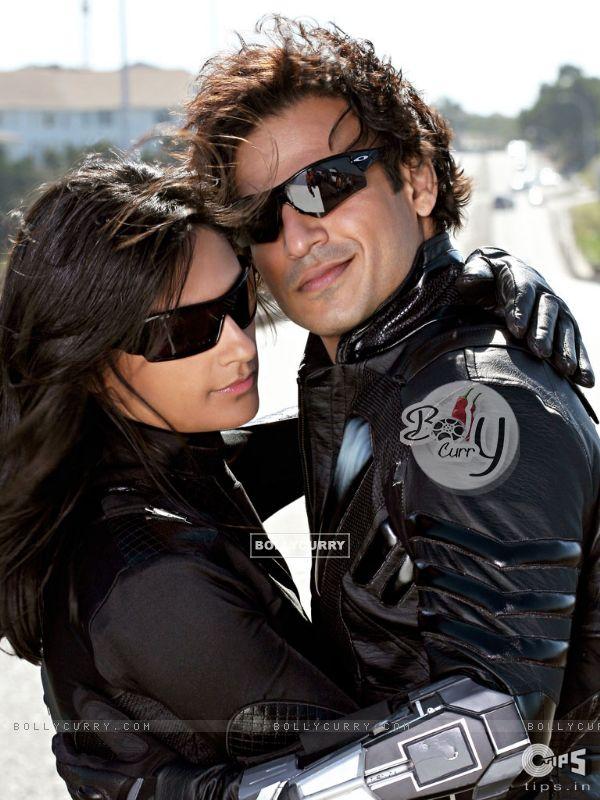Vivek Oberoi with Aruna Shields (39782)