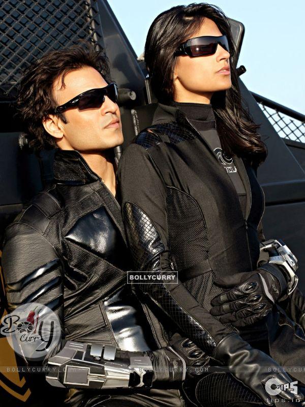 Vivek Oberoi and Aruna Shields looking gorgeous