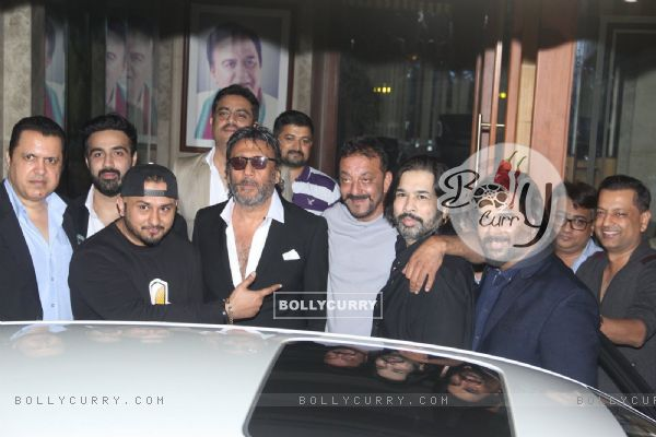 R Madhavan, Jackie Shroff and Yo Yo Honey Singh Meets Sanjay Dutt at his Residence!