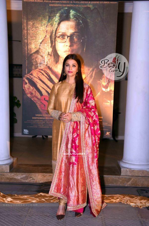 Aishwarya Rai Bachchan at Poster Launch of 'Sarabjit' (398056)