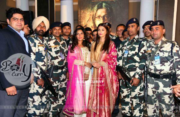 Aishwarya Rai Bachchan and Richa Chadda with 'Jawans' at Poster Launch of 'Sarabjit'