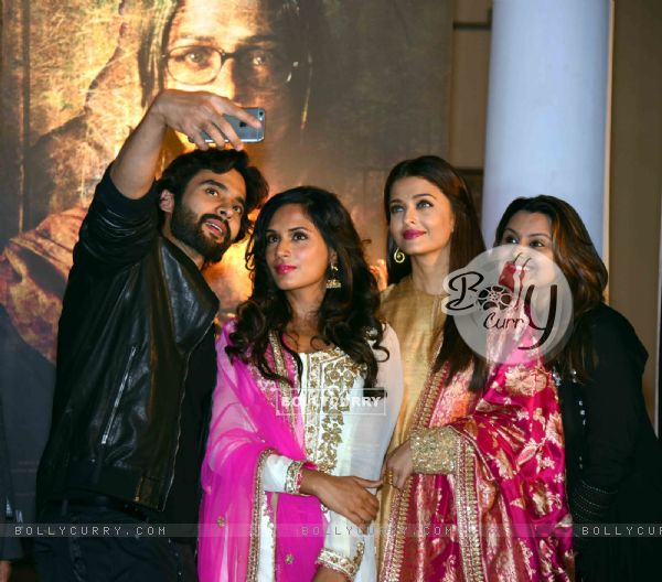 Jackky Bhagnani, Richa and Aishwarya at Poster Launch of 'Sarabjit' (398059)