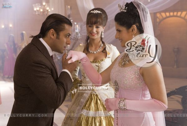 Salman Khan proposing Zarine Khan