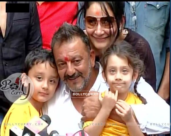 Sanjay Dutt With Kids at Press Con Held after His release from Yerwada Jail