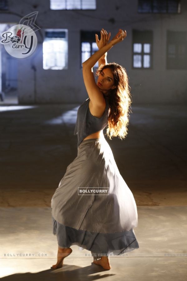 Stills from Aditi Rao Hydari's Dance Video 'Lets Dance'