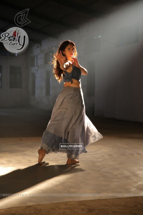 Stills from Aditi Rao Hydari's Dance Video 'Lets Dance'