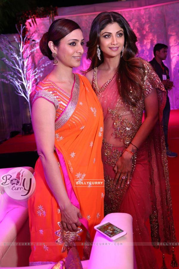 Shilpa Shetty and Tabu at Awdesh Dixit's Indore Bash