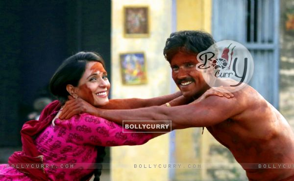 Richa Chadda and Randeep Hooda plays 'Mud Holi' on sets of Sarabjit