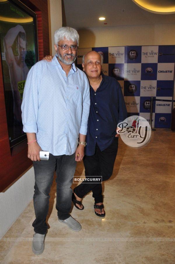 Vikram Bhatt and Mahesh Bhatt at Press Meet of 'Love games' (401521)