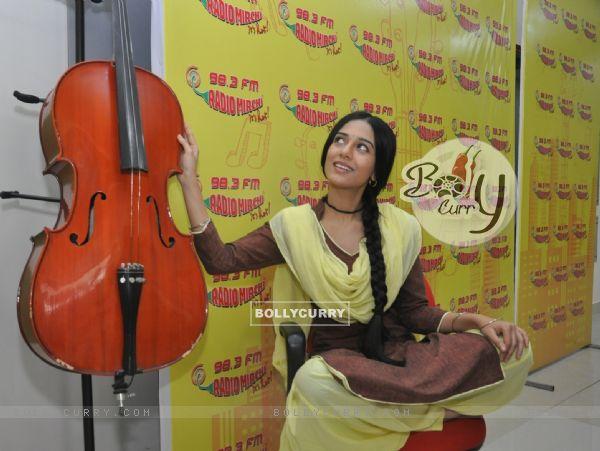 Amrita Rao Promotes Meri Awaz Hi Pehchaan Hai' on Radio Mirchi