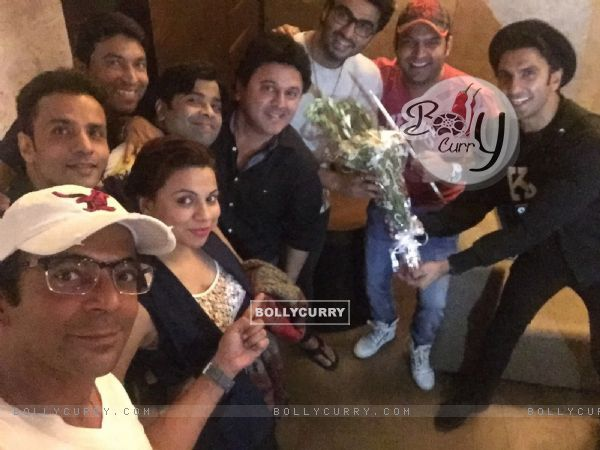 Kapil Sharma Team attends Special Screening of Ki And Ka (401927)