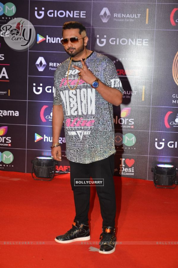 Yo Yo Honey Singh at COLORS GiMA AWARDS 2016