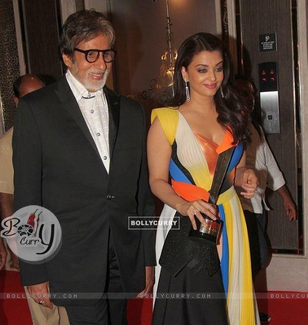 Amitabh Bachchan and Aishwarya Rai Bachchan at NRI of the Year