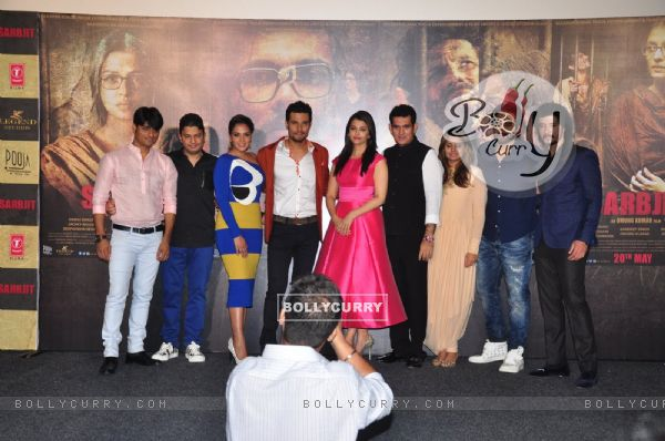 Cast of Sarabjit at it's Trailer Launch (403338)
