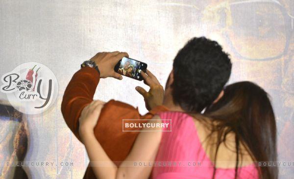 Omung Kumar and Aishwarya Rai Bachchan at Trailer Launch of 'Sarabjit' (403345)