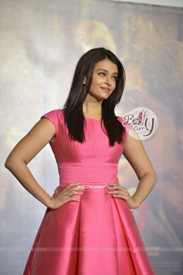 Aishwarya Rai Bachchan at Trailer Launch of 'Sarabjit' (403346)